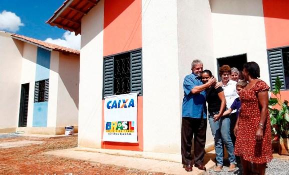Minha casa, minha Dilma