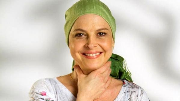 A atriz Drica Moraes venceu uma leucemia - câncer que atinge as células sanguinea e que tem origem na medula óssea. Ela foi diagnosticada em fevereiro de 2010 e, em junho, foi hospitalizada para a realização de um bem sucedido transplante de medula óssea.