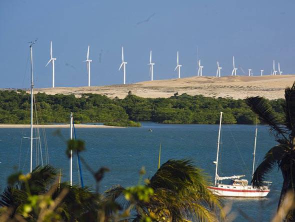 Rio Grande do Norte: belas paisagens e aerogeradores parados.