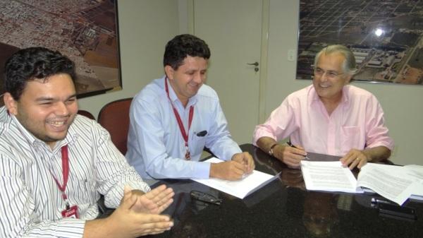 Começo de uma parceria entre Luís Eduardo Magalhães e Banco do Nordeste. Foto Claudio Foleto