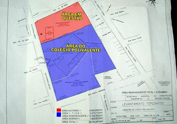 O mapa do levantamento topográfico foi realizado em julho de 2009, pela Secretaria Municipal de Infraestrutura, no mandato da ex-prefeita. Na cor azul, a área do Colégio Polivalente é de 20.030,1187 m², um pouco mais do que a doada pela Lei de 1972 (transcrita abaixo), que é de 20.000 m².