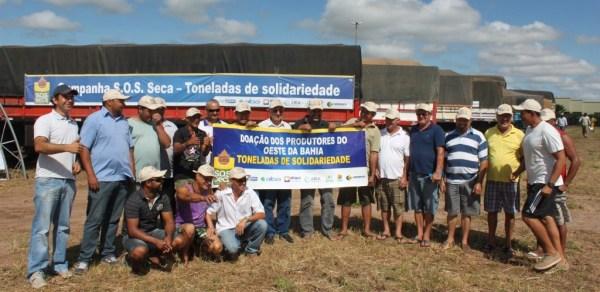 Os caminhoneiros que foram levar as doações para os irmãos da seca