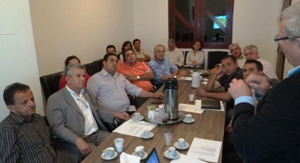 Os prefeitos mostraram interesse em participar do consórcio para implantação dos Serviços de Inspeção Municipal (SIM). Foto Claudio Foleto