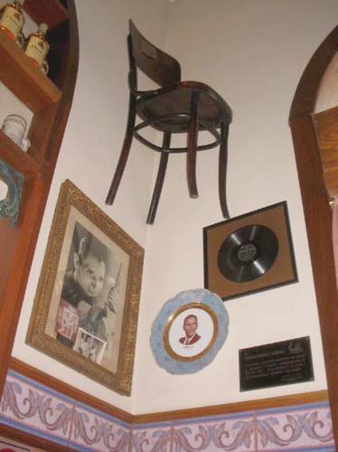 cadeira de Francisco Alves