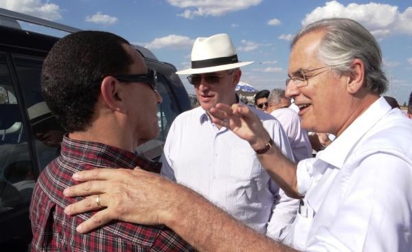 Humberto Santa Cruz em visita ao canteiro de obras, acompanhado do Superintendente Regional do Dnit Amauri Souza Lima e o Dir. de Infraestrutura Rodoviária Roger Pêgas