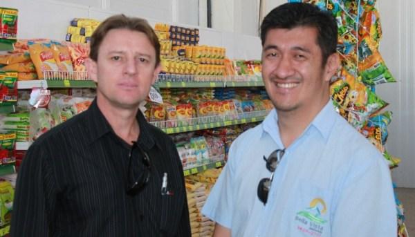 Léo e o empresário do ramo imobiliário, Marçal Tsukamoto