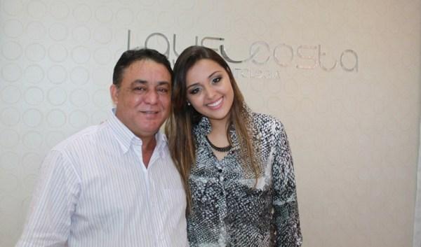Lays e o feliz pai, que veio de Itumbiara para a inauguração.