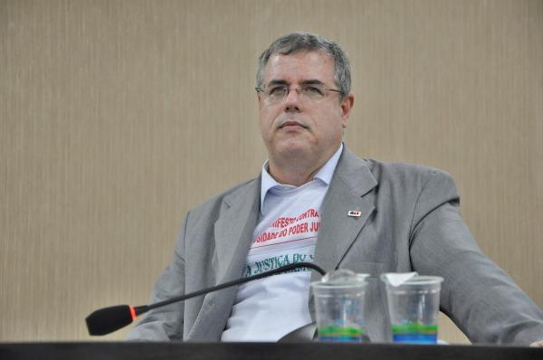 Luiz Viana Queiroz - presidente OAB Bahia