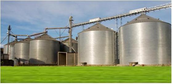 Silos da CONAB: o armazém de Luís Eduardo servirá como regulador para fornecimento de milho ao Nordeste.