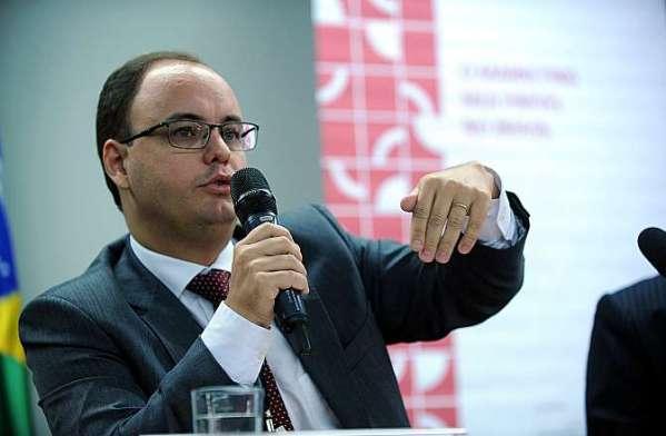 Ricardo Faria, do Ministério Fazenda, sugeriu ações a serem adotas por empresas de marketing multinível.