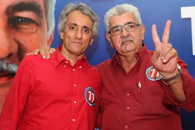 Paê e Tonhão durante a campanha de 2012. O Vice deve assumir o Executivo de Barreiras, ao menos até que a Justiça Federal reforme a sentença.