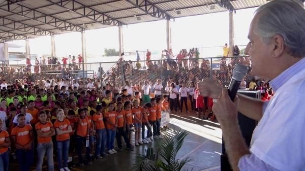 Em 2013 o prefeito Humberto Santa Cruz deu início a abertura da Oilem e garante que este ano será um evento mais bonito ainda.