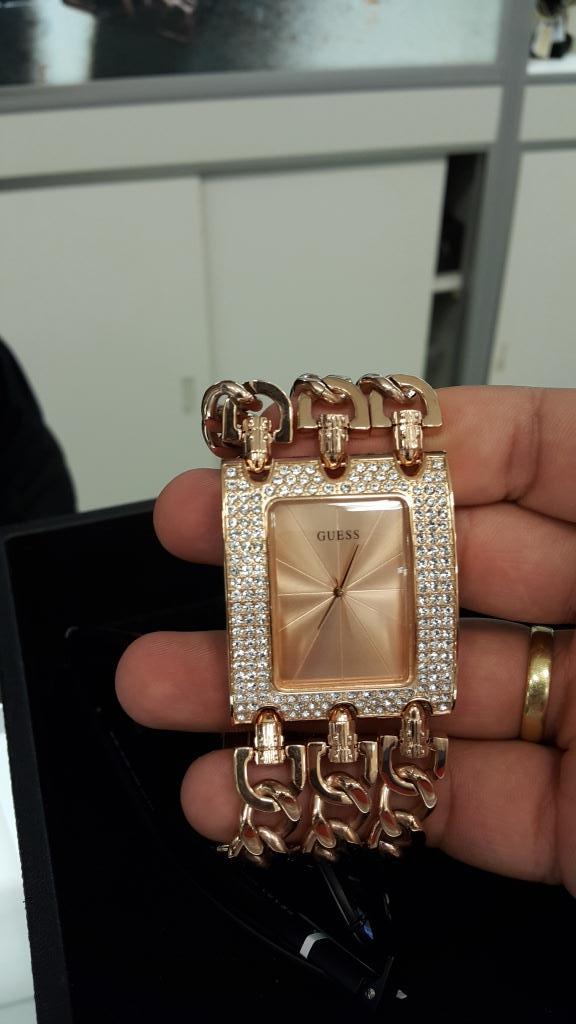 Relógios caríssimos, identificados em fotos de arquivos pessoais de Clóvis.