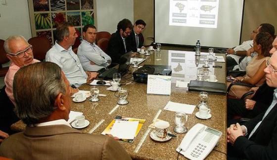 Sócio da Agri-Brasil apresentam números do projeto em Salvador.