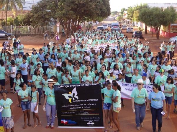 Caminhada lembra mobilização de combate ao abuso e exploração sexual em crianças e adolescentes. Foto 2014