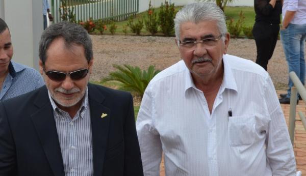 João Carlos Jacobsen, presidente da ABRAPA e o prefeito de Barreiras, Antonio Henrique, chegando para a soleniodade.