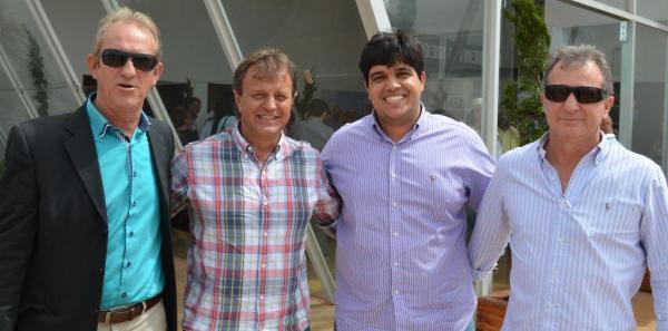 Renato Faedo, secretário de Governo; o empresário Antonio Franciosi, um dos maiores produtores da região; o advogado Bruno Martinez; e o empresário Lauro Luza, que têm boas novas sobre o aeroporto de LEM.
