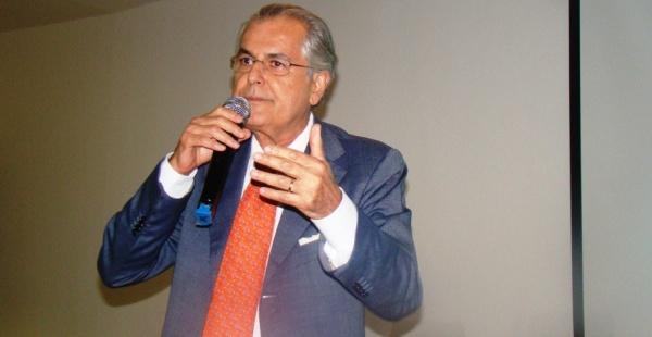 No seminário, o prefeito Humberto teve a oportunidade de transmitir a experiência do município de Luís Eduardo na elaboração do seu Plano Municipal de Saneamento Básico