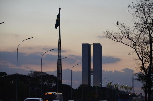 Brasília, no fim da tarde. Foto de Carlos Alberto Sampaio, de O Expresso.