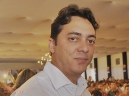 Jabes Júnior: refém da debilidade política