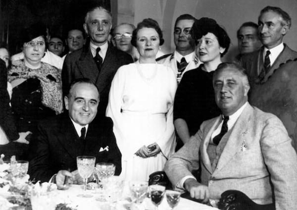 Vargas e Roosevelt: com a chegada da II Guerra Mundial, o Brasil entrou na era da siderurgia e da industrialização.