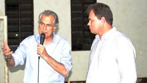 O prefeito Humberto Santa Cruz e o presidente Associação de Produtores do Distrito de Bela Vista, Douglas Radoll