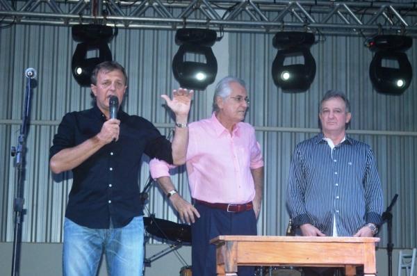 João Antonio Franciosi, Humberto Santa Cruz e Lauro Luza: muito trabalho para a realização da grande obra.