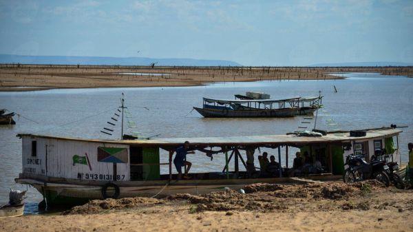 Remanso - Seca expõe ruínas de cidade alagada na Bahia para construção do reservatório de Sobradinho, o maior do Nordeste ( Marcello Casal jr/Agência Brasil)