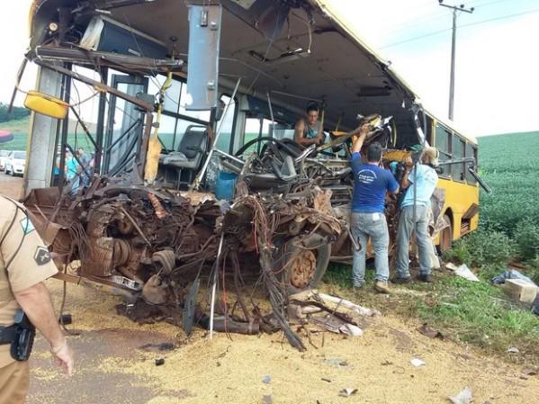 Fotos de Gesli Franco/RPC publicadas no G1.globo/Paraná