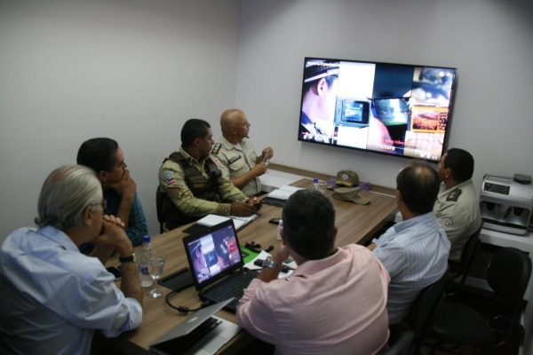 A reunião serviu para apresentação das funcionalidades do CCO e como o centro pode auxiliar as polícias na segurança pública
