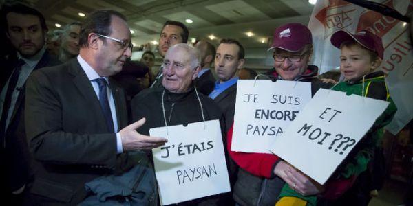 François Hollande conversa com os irados produtores franceses.