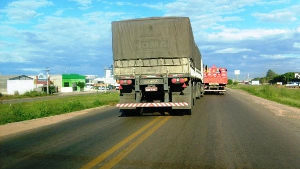 Caminhões: frete caro e perigo para usuários de rodovias