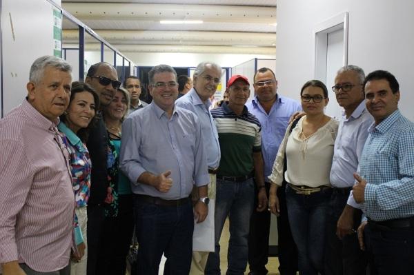 Prefeitos da UMOB no Centro Administrativo em visita ao CCO, recepcionados por Humberto Santa Cruz e Werther Brandão