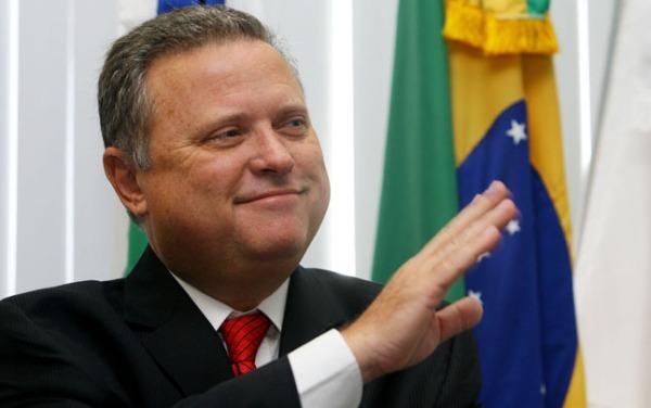 O senador Blairo Maggi, duas vezes governador do Mato Grosso, ministro da Agricultura de Temer. Rico, branco, homem influente, Blairo é representante emblemático do novo padrão executivo do PMDB.