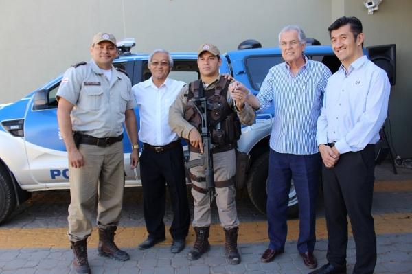 Entrega da chave de uma viatura para a 85ª Companhia Independente de Polícia Militar (CIPM)
