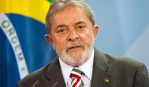 Mesmo depois do massacre político, Lula ainda ponteia as pesquisas de opinião pré-eleitorais.