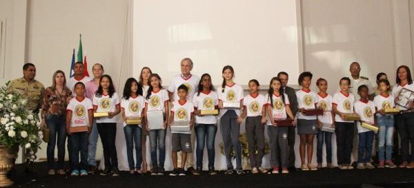 O programa, que tem caráter social preventivo, contemplou alunos das escolas Ivo Hering, Hermínio Brandão e Marlei Terezinha Preto