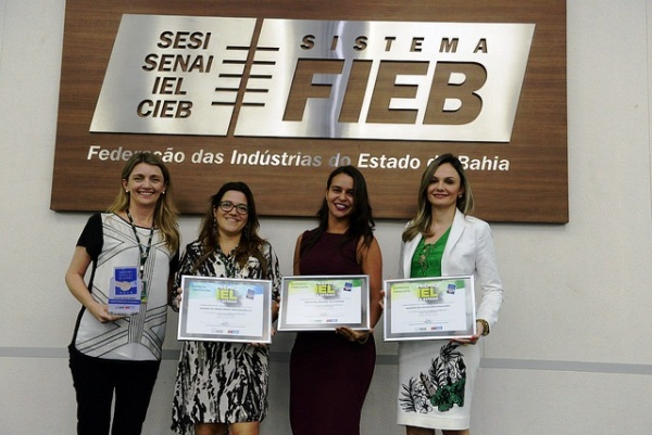 A procuradora do município, Danielle Almeida Luz, representou o município na cerimônia de premiação