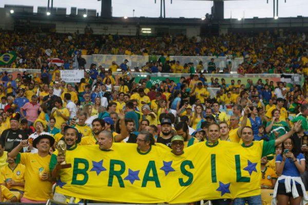A seleção masculina de futebol do Brasil enfrenta a Alemanha