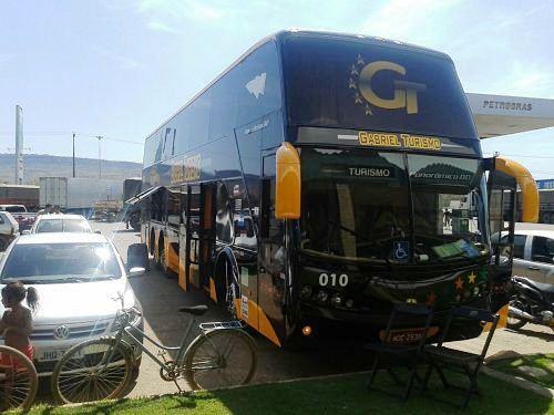 O ônibus de turismo no qual as vítimas deveriam embarcar, com destino a São Paulo