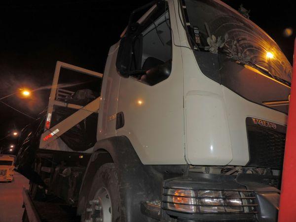 O caminhão da fazenda, utilizado para transportar os defensivos roubados
