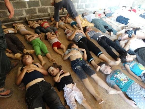 Crianças mortas por gás na Síria.