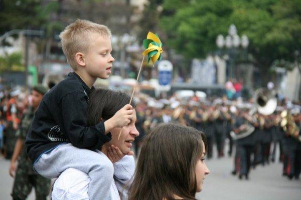 nesta-quarta-feira-novamente-o-tradicional-desfile-de-7-de-setembro-sera-realizado-na-avenida-salvador