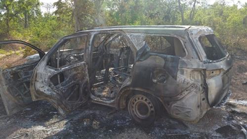 A SW4 utilizada no ataque e incendiada pelos próprios bandidos