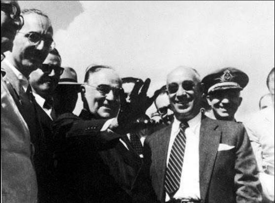 Getúlio e Cordeiro, na criação da Petrobras em 1953