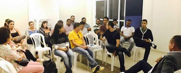 Servidores em reunião