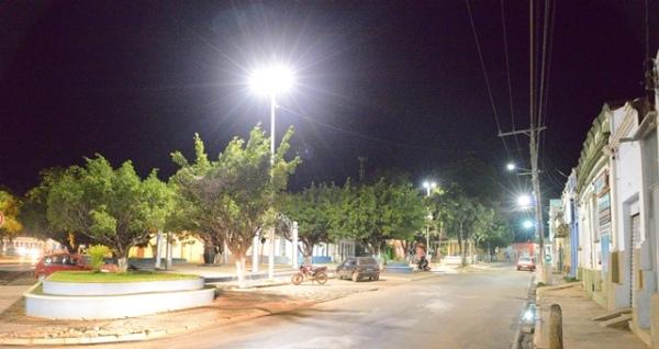 iluminacao-praca-duque-de-caxias-centro