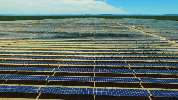 Resultado de imagem para Inaugurado na Bahia o maior parque de energia fotovoltaico do Brasil