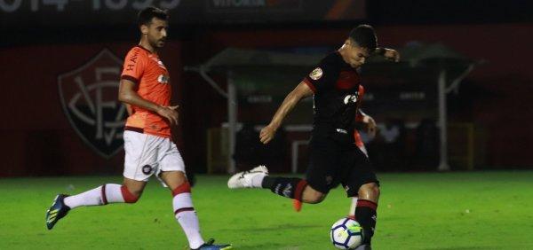 97efc7f06dfae Dupla baiana no Brasileirão perde jogos de hoje e Vitória já teme a  desclassificação para a série B